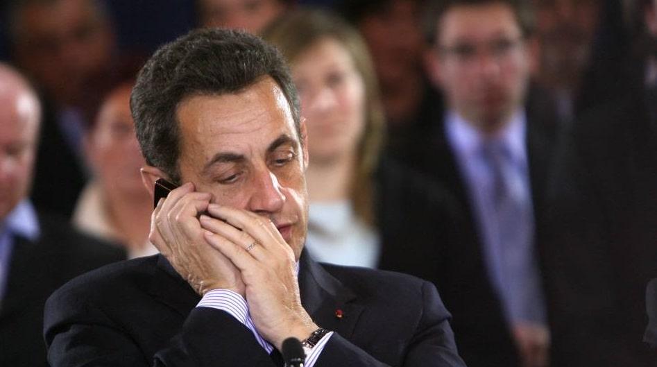 SCANDALE : Quand Nicolas Sarkozy utilisait un prête-nom pour téléphoner anonymement, quand avec SIMSLIFE il l'aurait fait, mais légalement !
